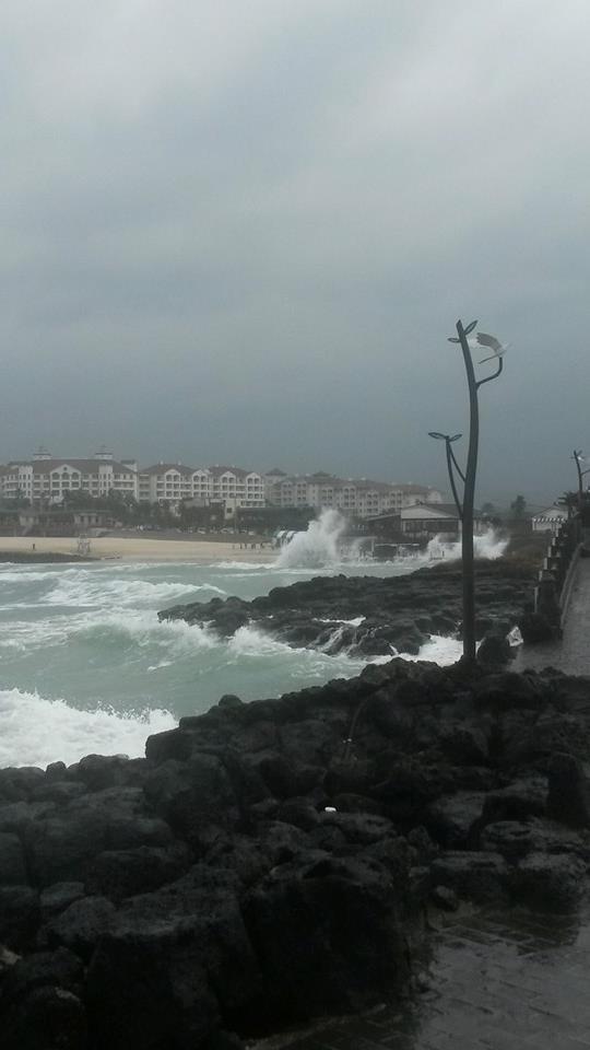 Hamdeok Beach in a typhoon